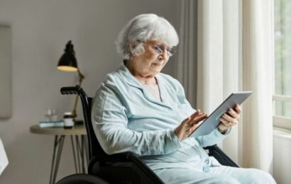 State pension age: Britons may get up to £358 monthly as DWP makes claim process easier