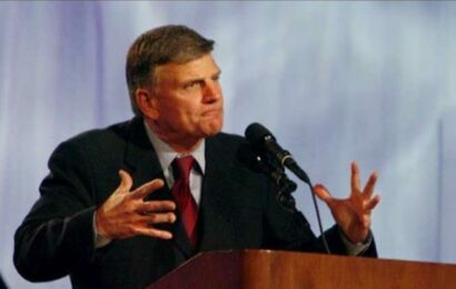 Franklin Graham laments 'incentive not to work' on Labor Day