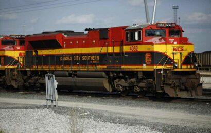 Kansas City Southern picks Canadian Pacific's $31 billion bid for railroad