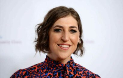 Mayim Bialik, Ken Jennings will split 'Jeopardy!' hosting duties for the rest of the year