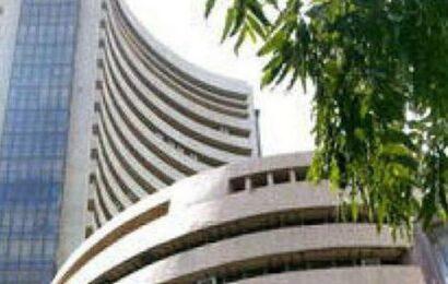 Sensex, Nifty open on choppy note; IT stocks tumble