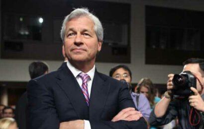 Earnings Previews: BlackRock, Delta Air Lines, JPMorgan