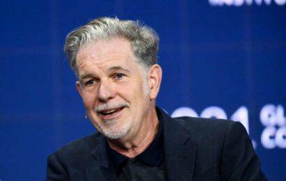 Netflix co-CEO Reed Hastings dodges questions on Chappelle controversy